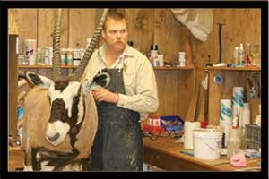 MOUNTING & FINISHING A GEMSBOK W/ R.J.